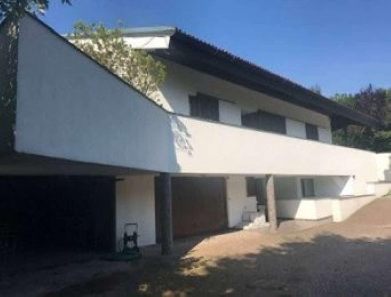 Villa in vendita a Caprino Bergamasco, 7 locali, prezzo € 652.545 | PortaleAgenzieImmobiliari.it