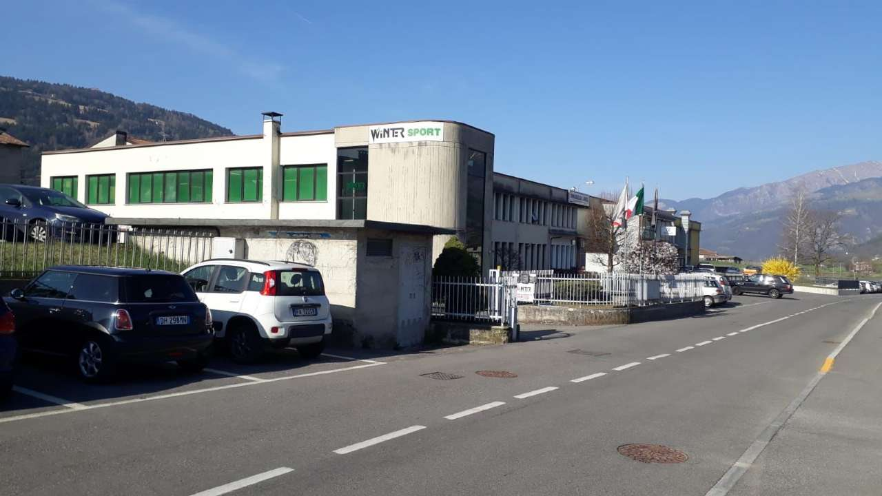 Negozio / Locale in vendita a Rovetta, 9999 locali, prezzo € 830.000 | CambioCasa.it