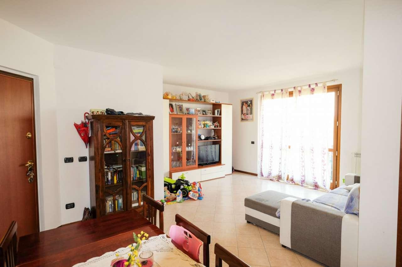 Appartamento in vendita a Trezzano Rosa, 3 locali, prezzo € 168.000 | PortaleAgenzieImmobiliari.it
