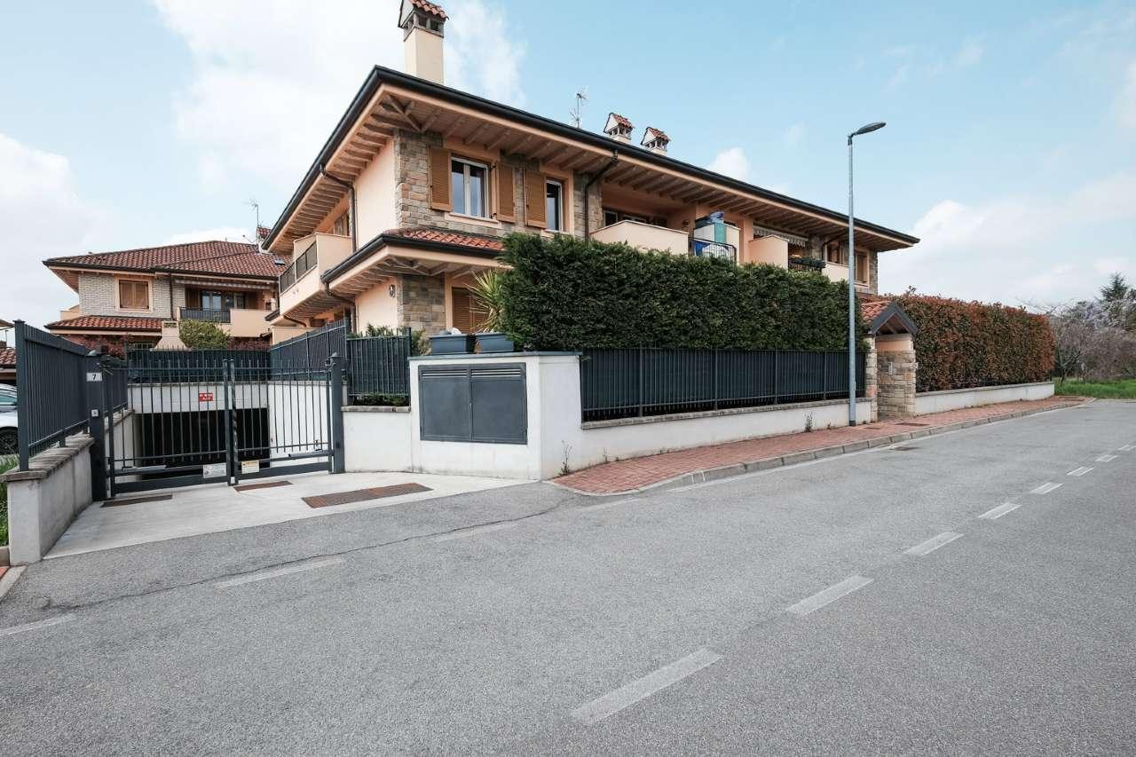 Appartamento in vendita a Grezzago, 3 locali, prezzo € 135.000 | CambioCasa.it