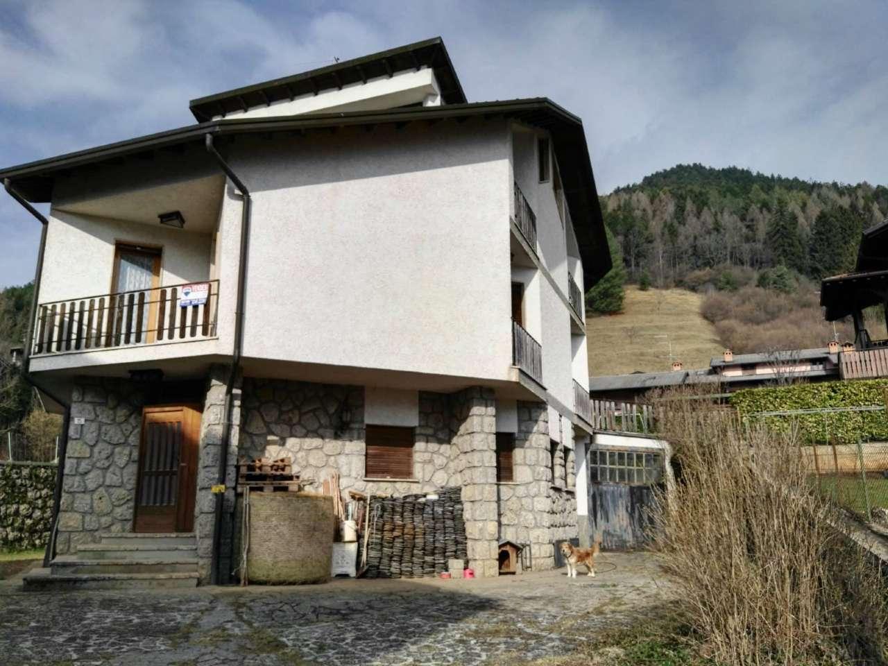 Villa in vendita a Castione della Presolana, 13 locali, prezzo € 169.000 | PortaleAgenzieImmobiliari.it