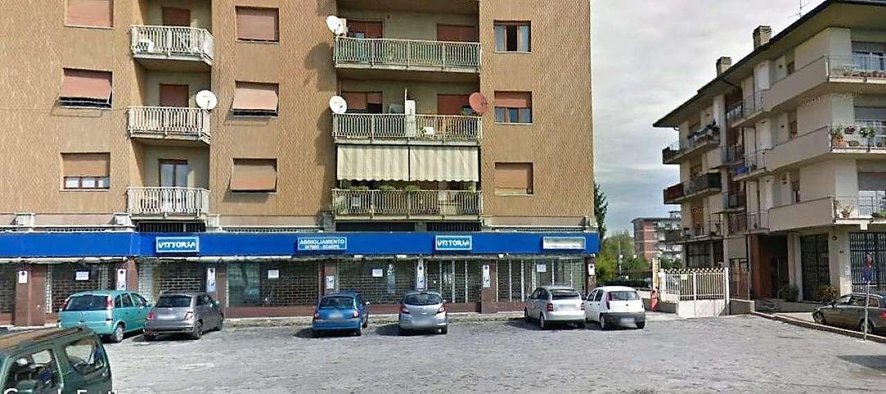 Negozio / Locale in affitto a Bergamo, 2 locali, prezzo € 1.250 | CambioCasa.it