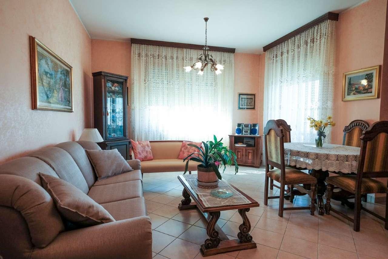 Appartamento in vendita a Bonate Sopra, 4 locali, prezzo € 120.000   PortaleAgenzieImmobiliari.it