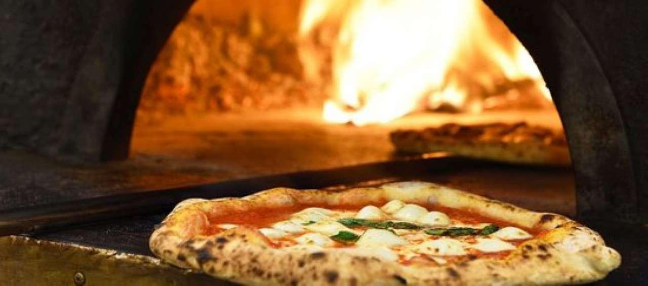 Ristorante / Pizzeria / Trattoria in vendita a Calusco d'Adda, 2 locali, prezzo € 15.000 | CambioCasa.it