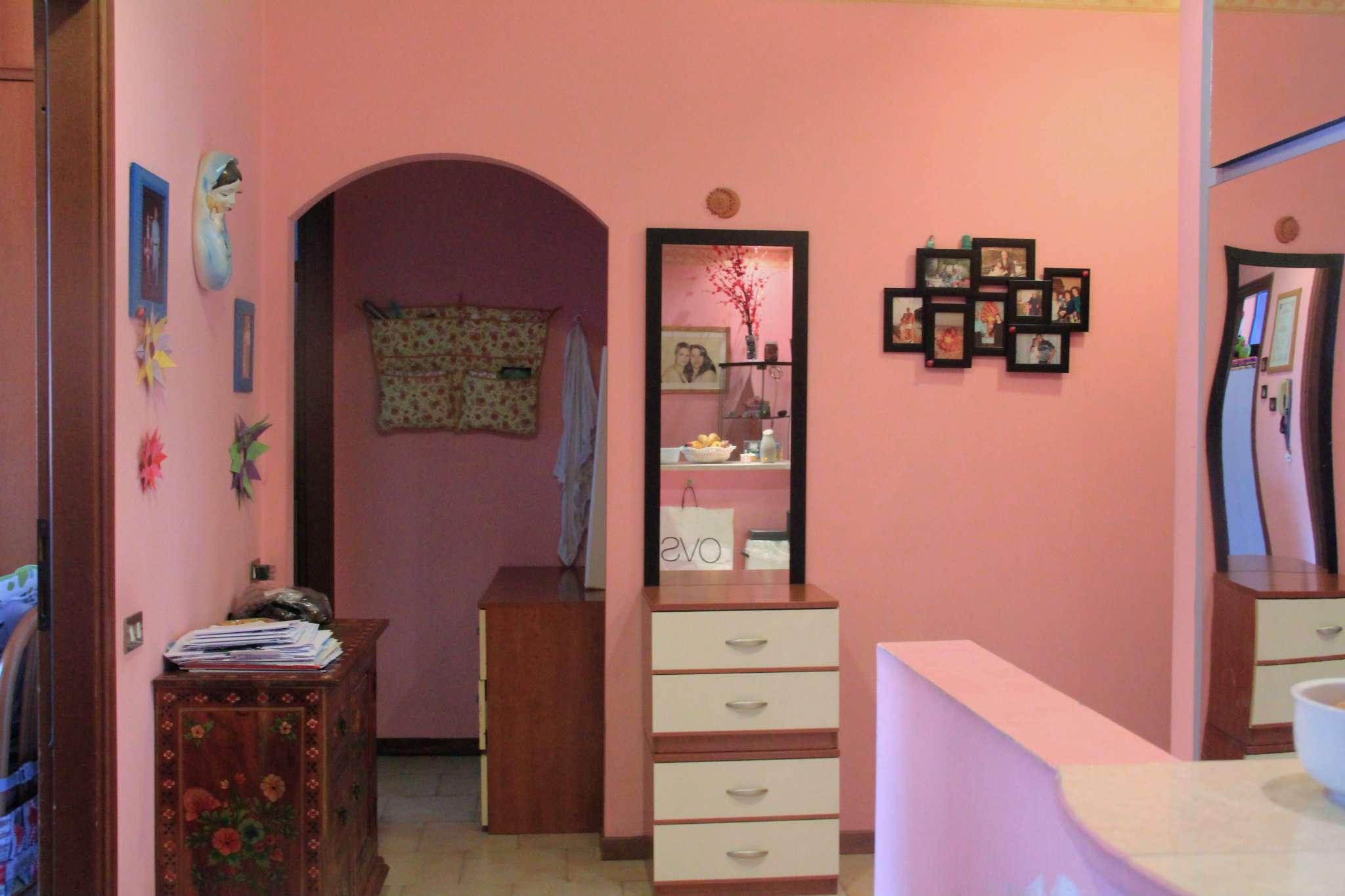 Appartamento in vendita a Trezzano Rosa, 3 locali, prezzo € 89.000 | PortaleAgenzieImmobiliari.it