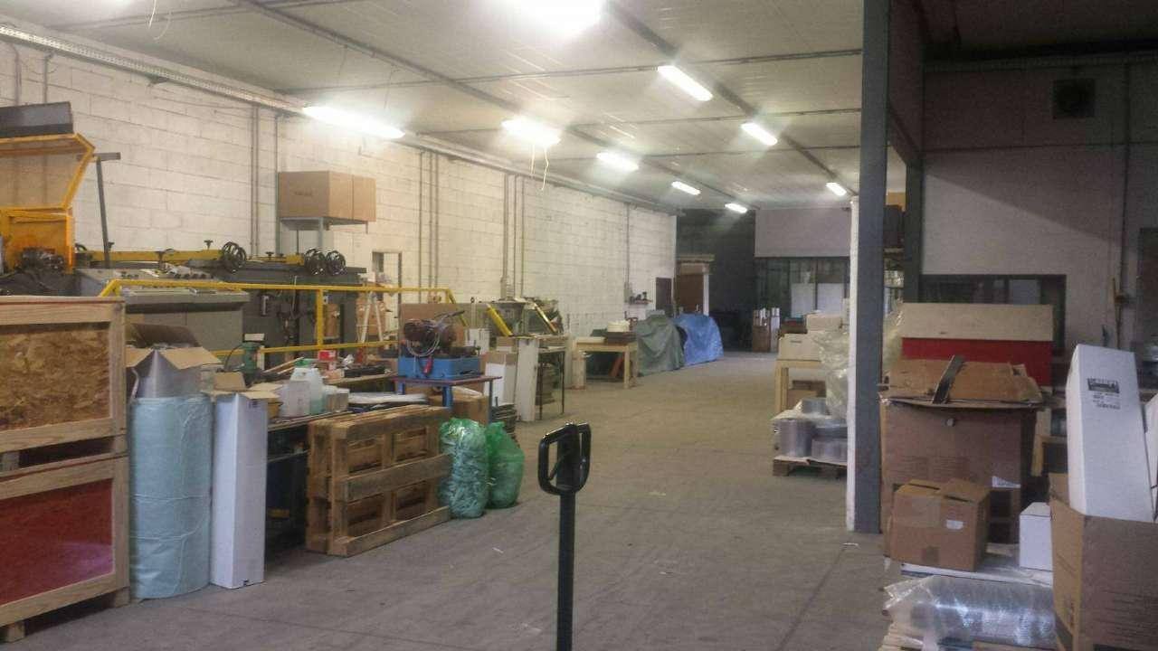 Capannone in vendita a Grassobbio, 9999 locali, prezzo € 390.000 | PortaleAgenzieImmobiliari.it