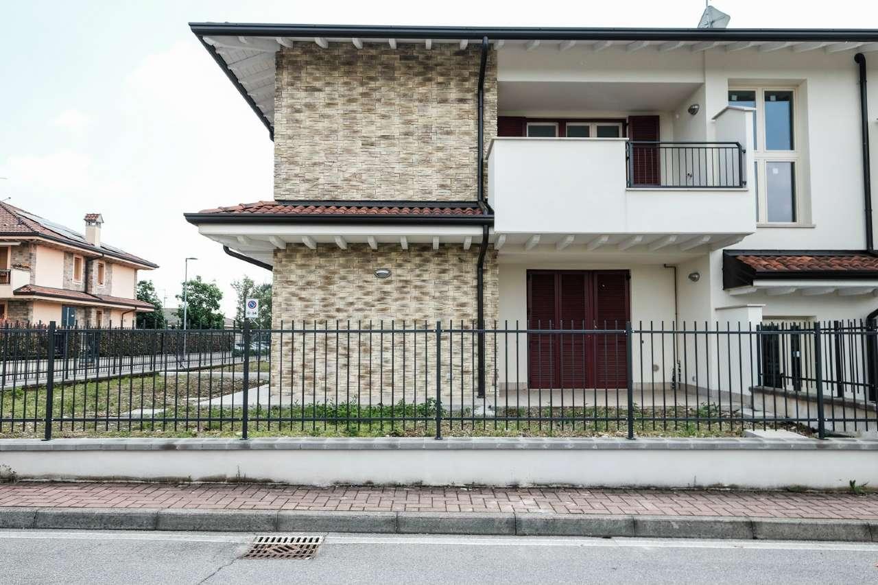 Appartamento in vendita a Grezzago, 4 locali, prezzo € 235.000 | CambioCasa.it