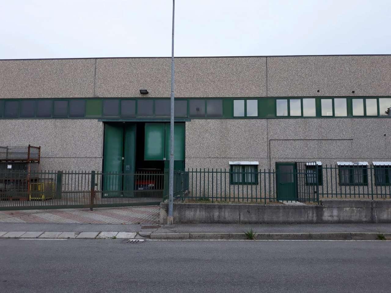Capannone in vendita a Calusco d'Adda, 9999 locali, prezzo € 390.000 | PortaleAgenzieImmobiliari.it
