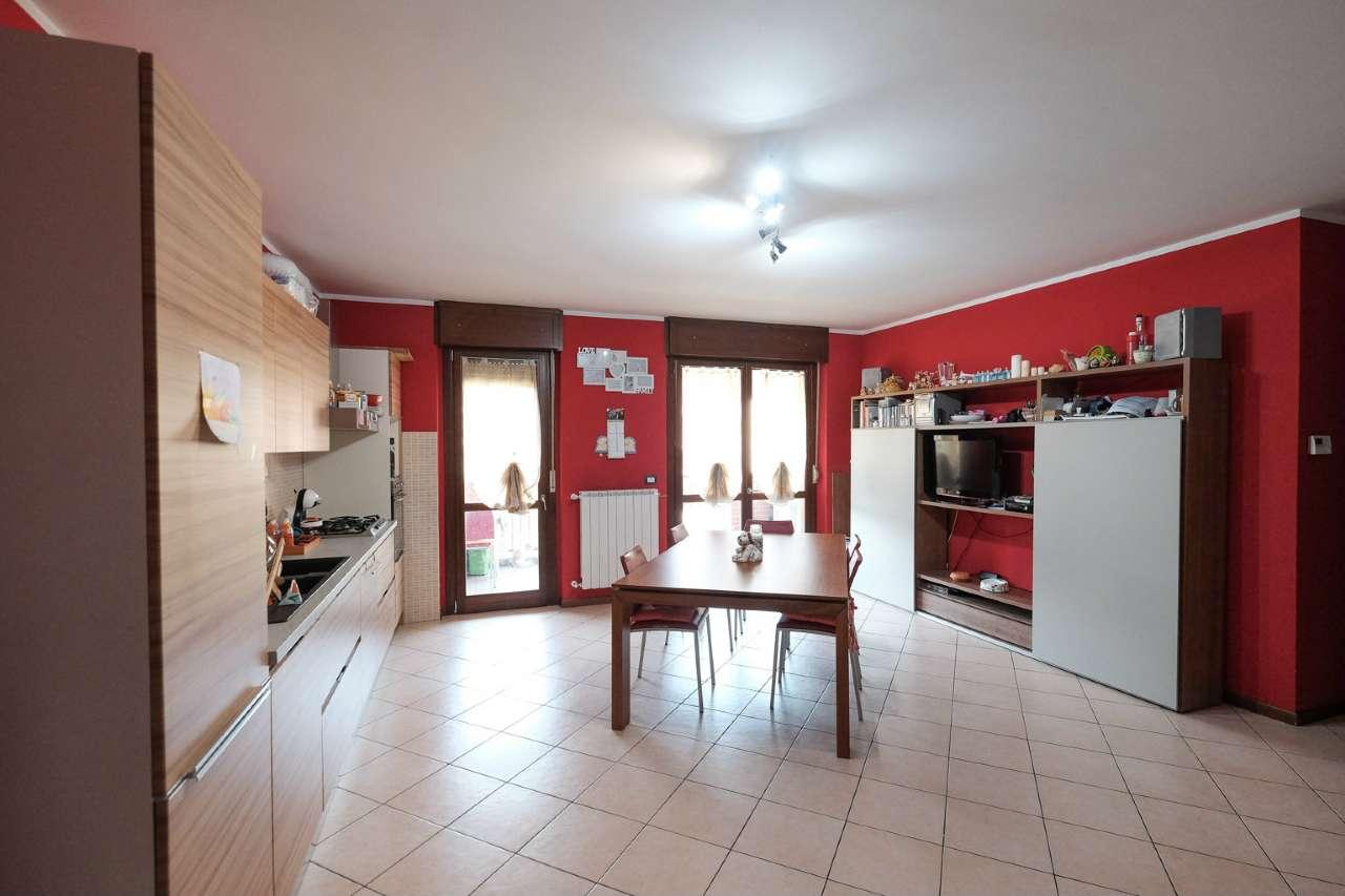 Appartamento in vendita a Bottanuco, 4 locali, prezzo € 149.000   CambioCasa.it