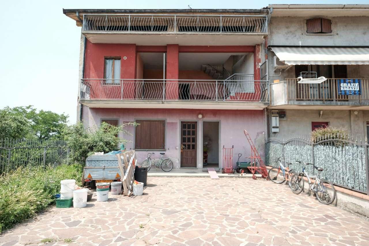 Rustico / Casale in Vendita a Bottanuco