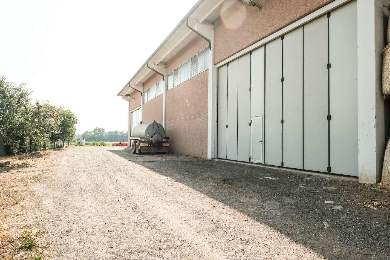 Capannone in vendita a Brembate, 1 locali, prezzo € 259.000 | PortaleAgenzieImmobiliari.it