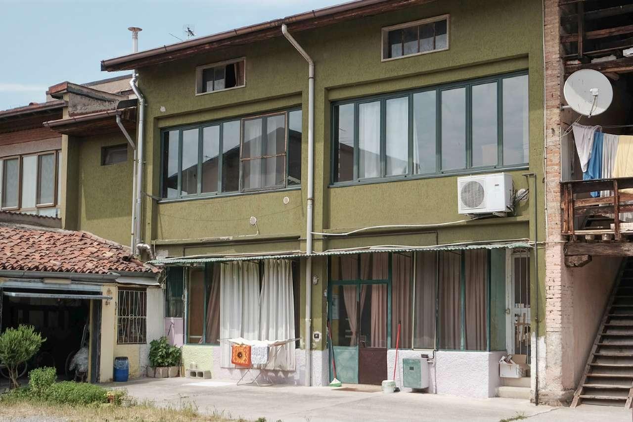 Appartamento in vendita a Boltiere, 4 locali, prezzo € 49.000 | PortaleAgenzieImmobiliari.it