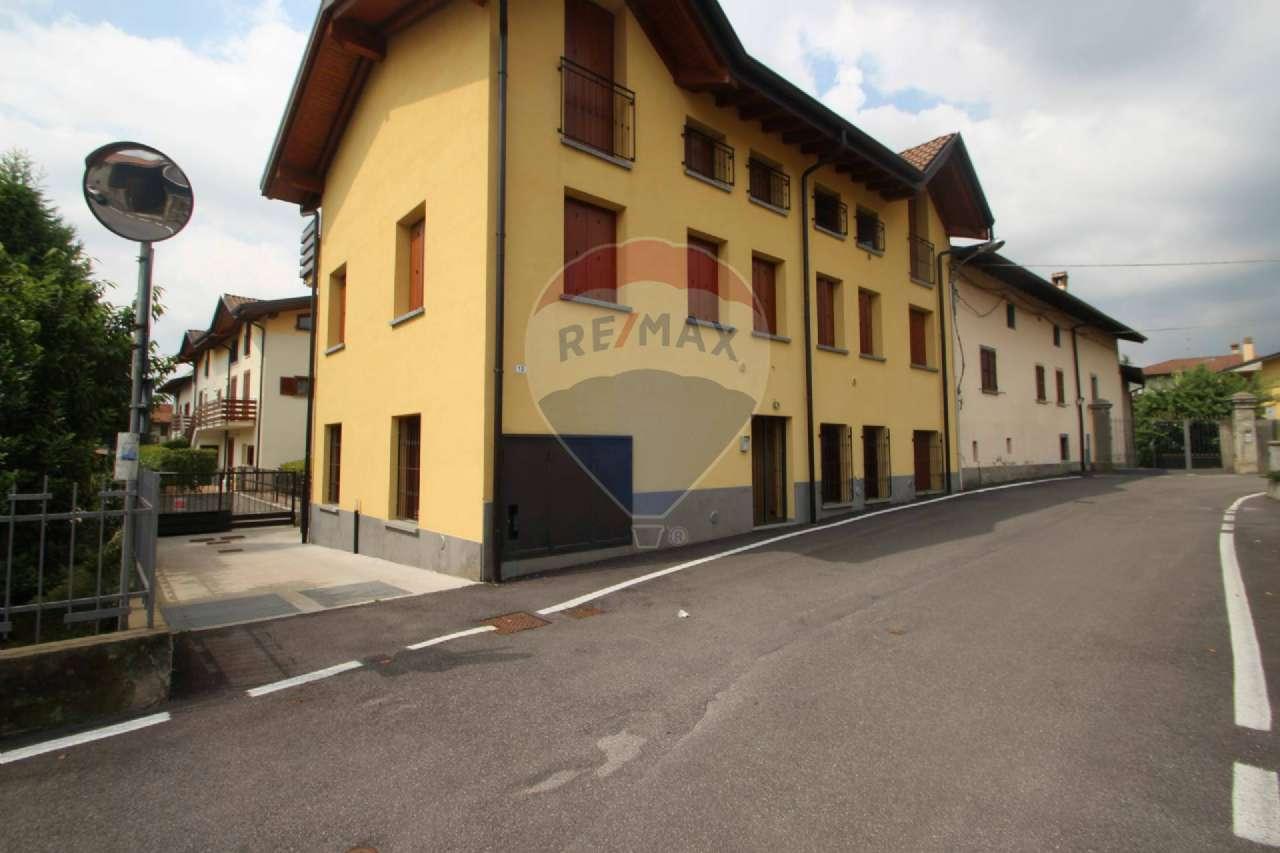 Appartamento in vendita a Almenno San Salvatore, 2 locali, prezzo € 75.000 | CambioCasa.it