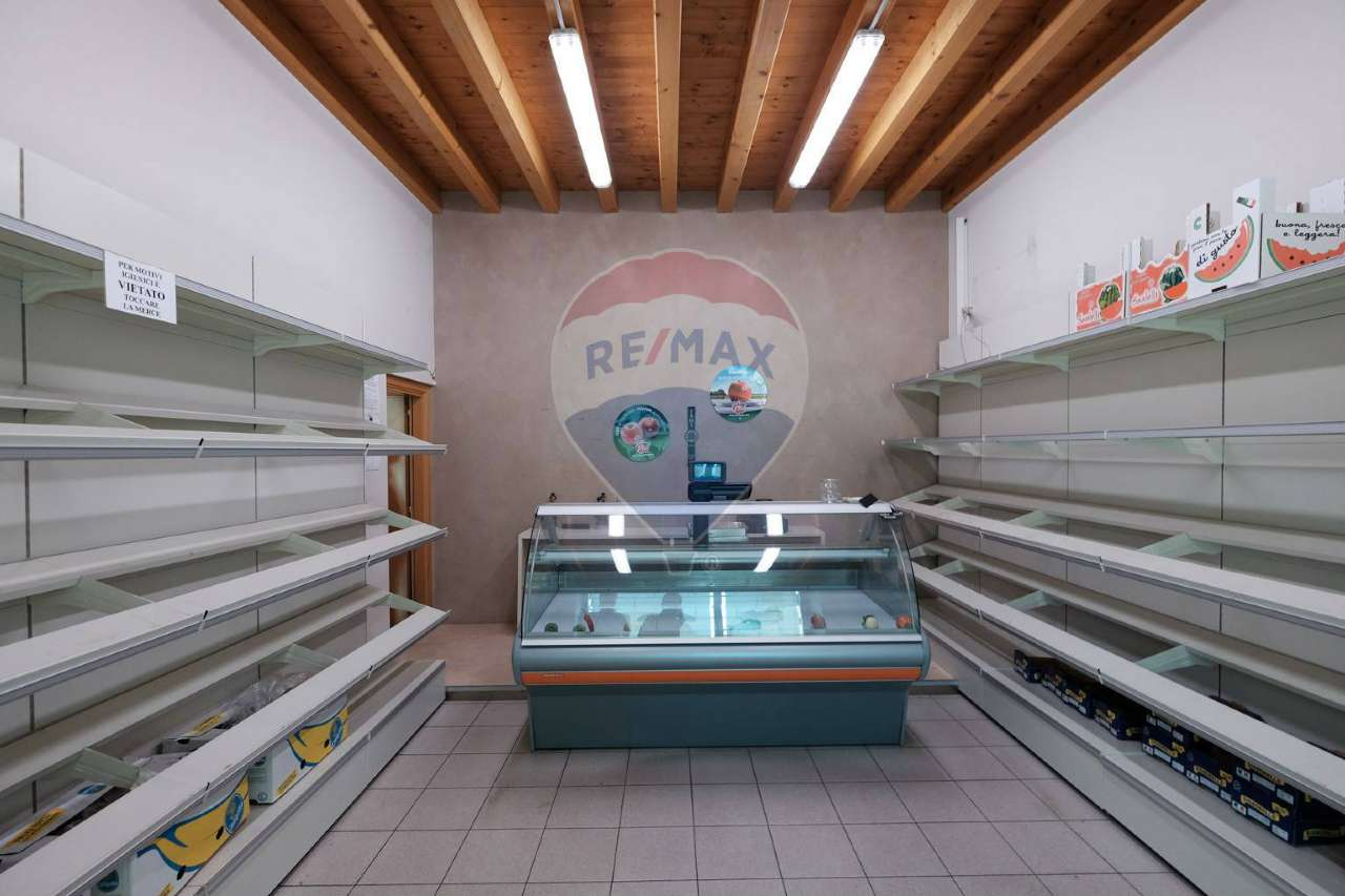 Negozio / Locale in vendita a Arcene, 1 locali, prezzo € 90.000 | PortaleAgenzieImmobiliari.it