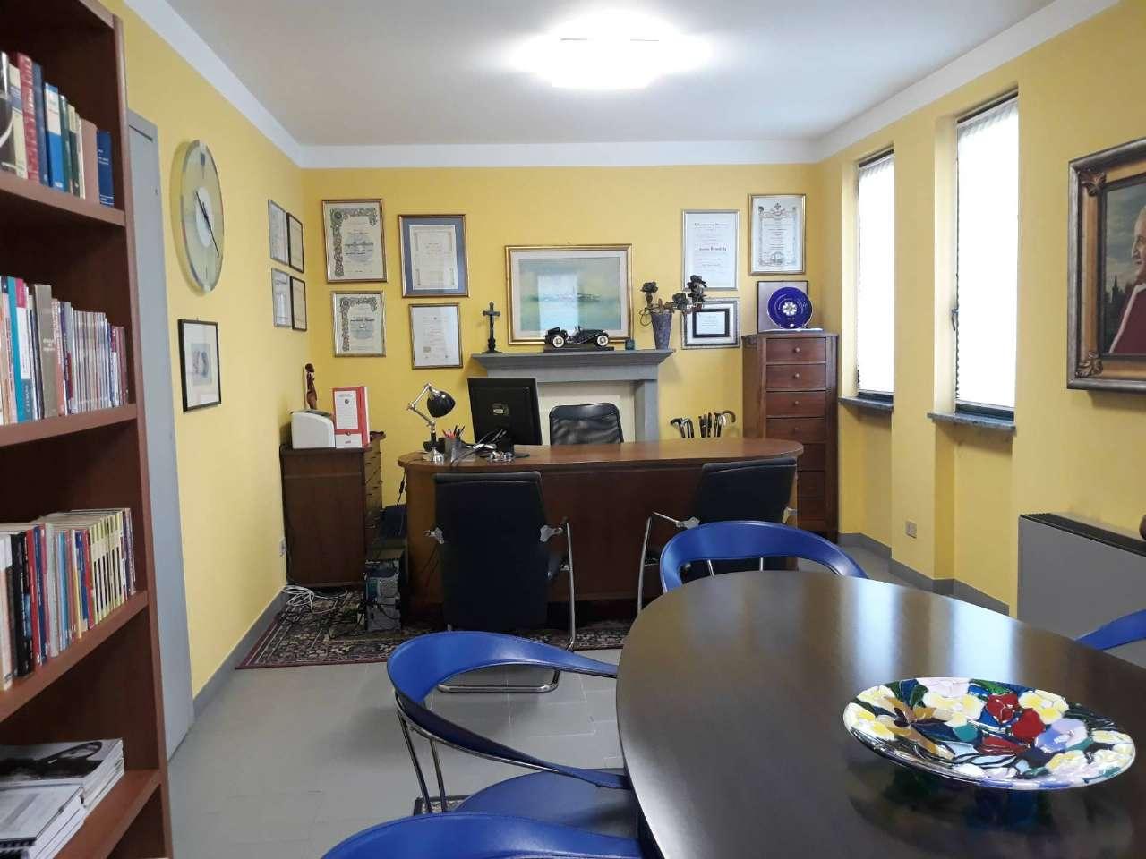 Ufficio / Studio in affitto a Sotto il Monte Giovanni XXIII, 5 locali, prezzo € 800 | CambioCasa.it