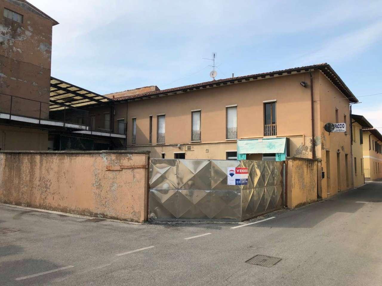 Palazzo / Stabile in vendita a Quinzano d'Oglio, 1 locali, prezzo € 190.000 | PortaleAgenzieImmobiliari.it