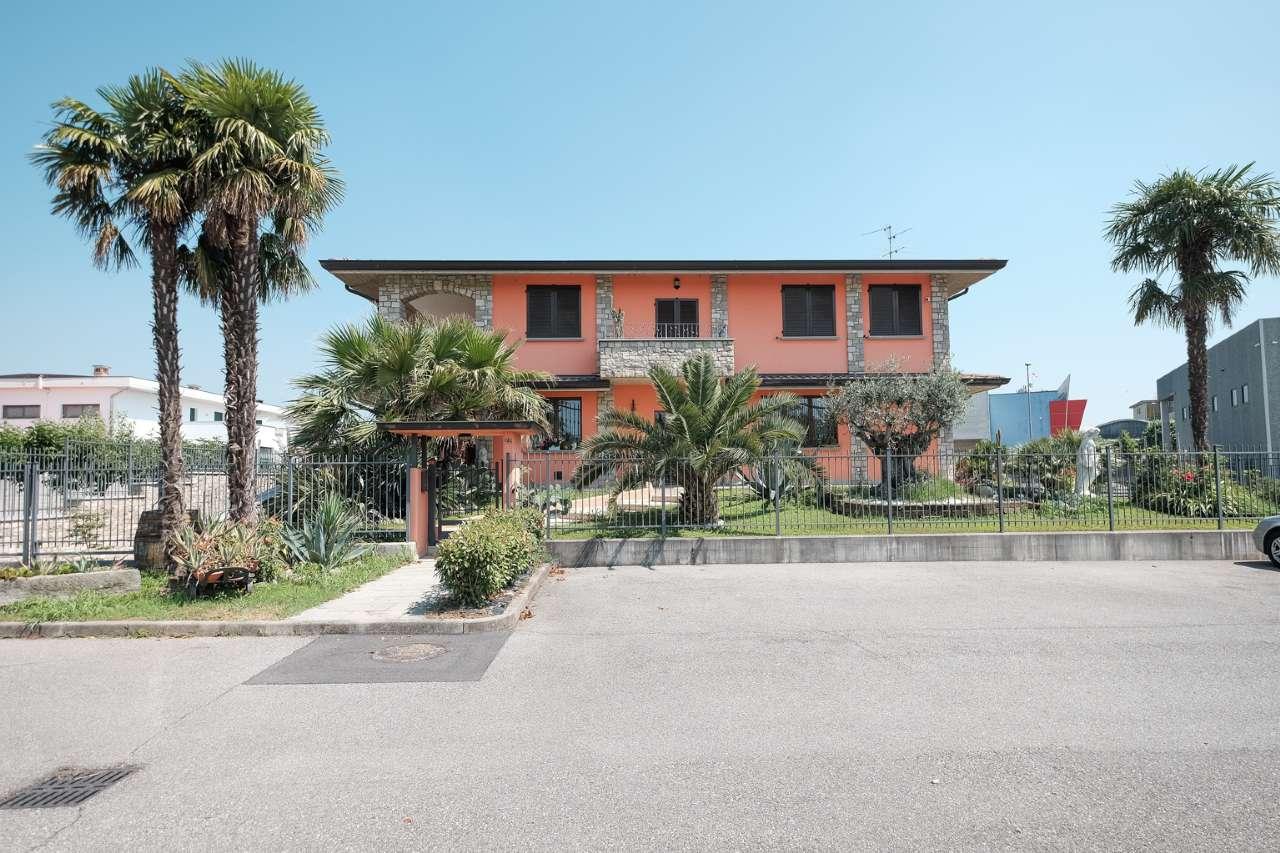Capannone in vendita a Pontirolo Nuovo, 6 locali, prezzo € 740.000 | PortaleAgenzieImmobiliari.it