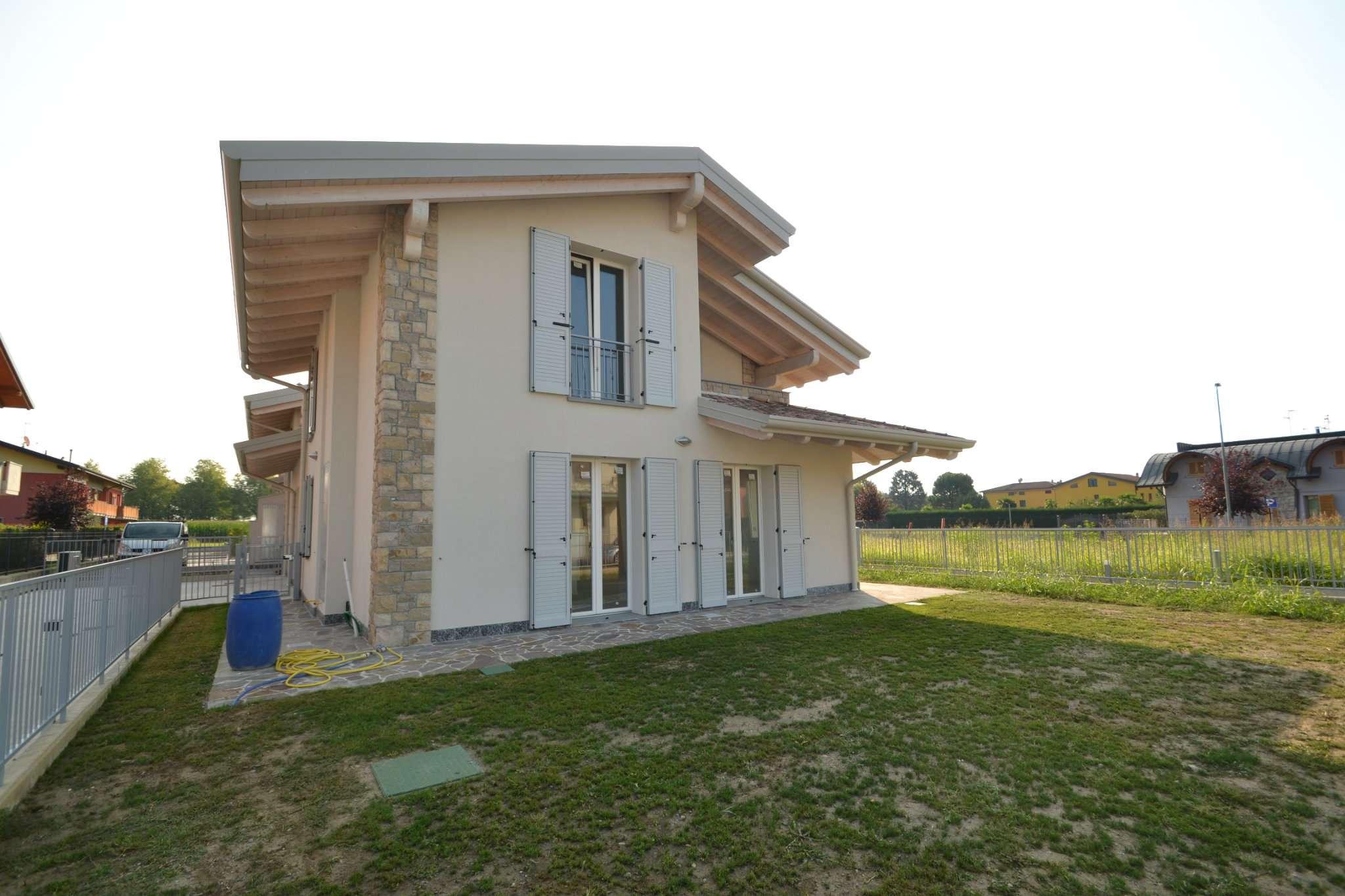 Villa in vendita a Chignolo d'Isola, 3 locali, prezzo € 339.000 | PortaleAgenzieImmobiliari.it