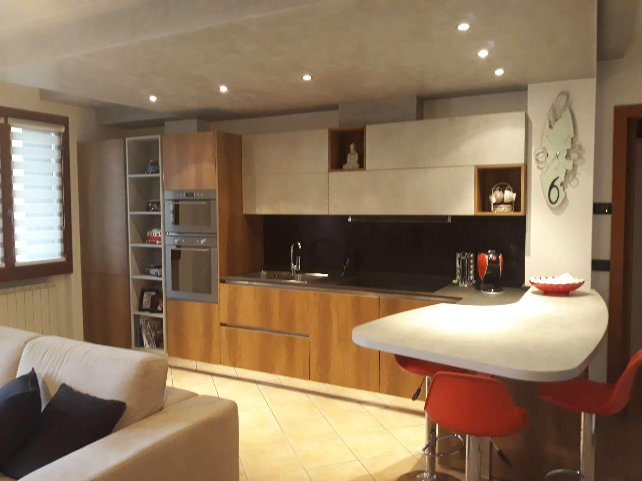 Appartamento in affitto a Rogno, 3 locali, prezzo € 580 | PortaleAgenzieImmobiliari.it