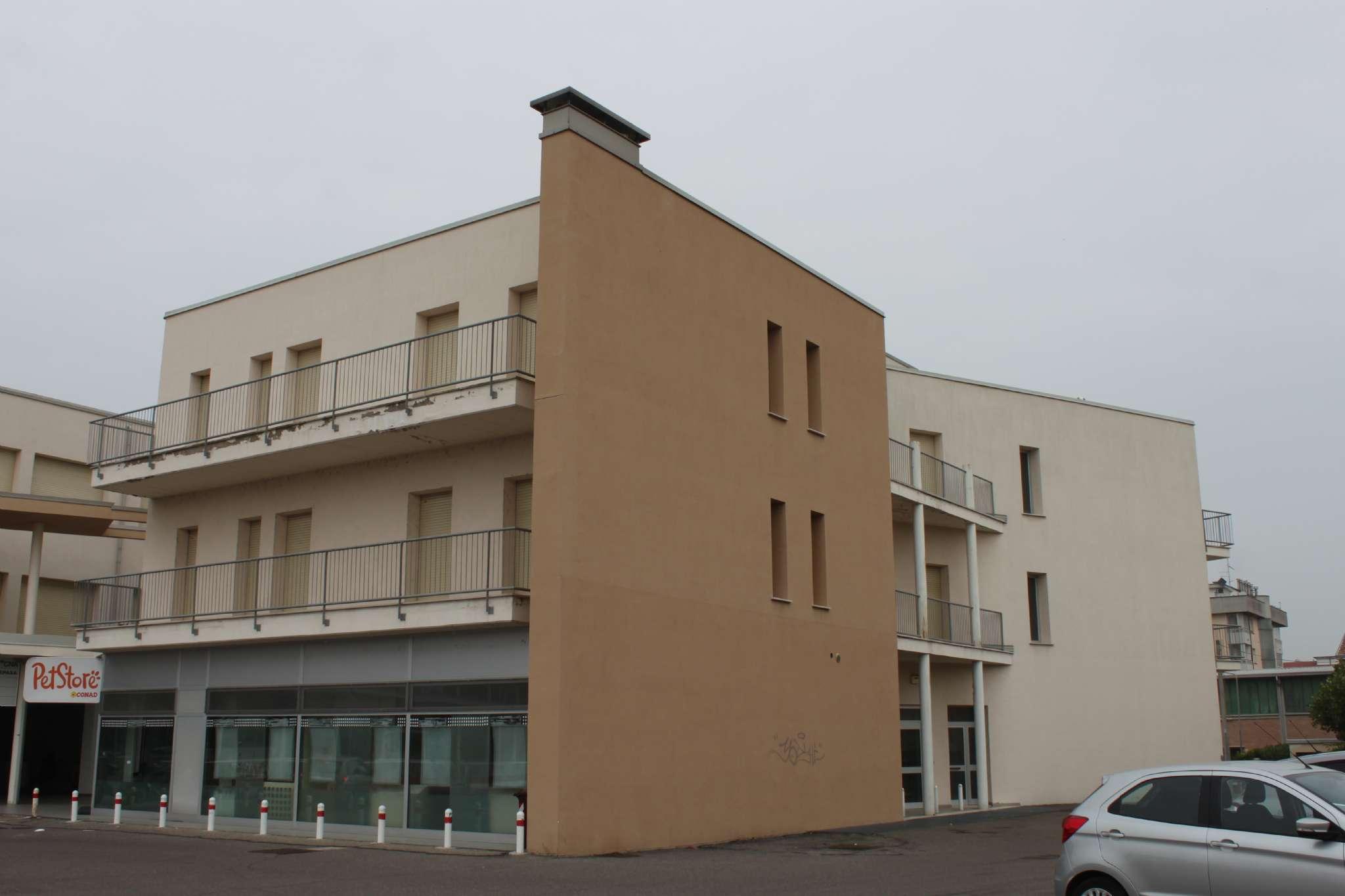 Appartamento in vendita a Guastalla, 3 locali, prezzo € 88.000 | CambioCasa.it