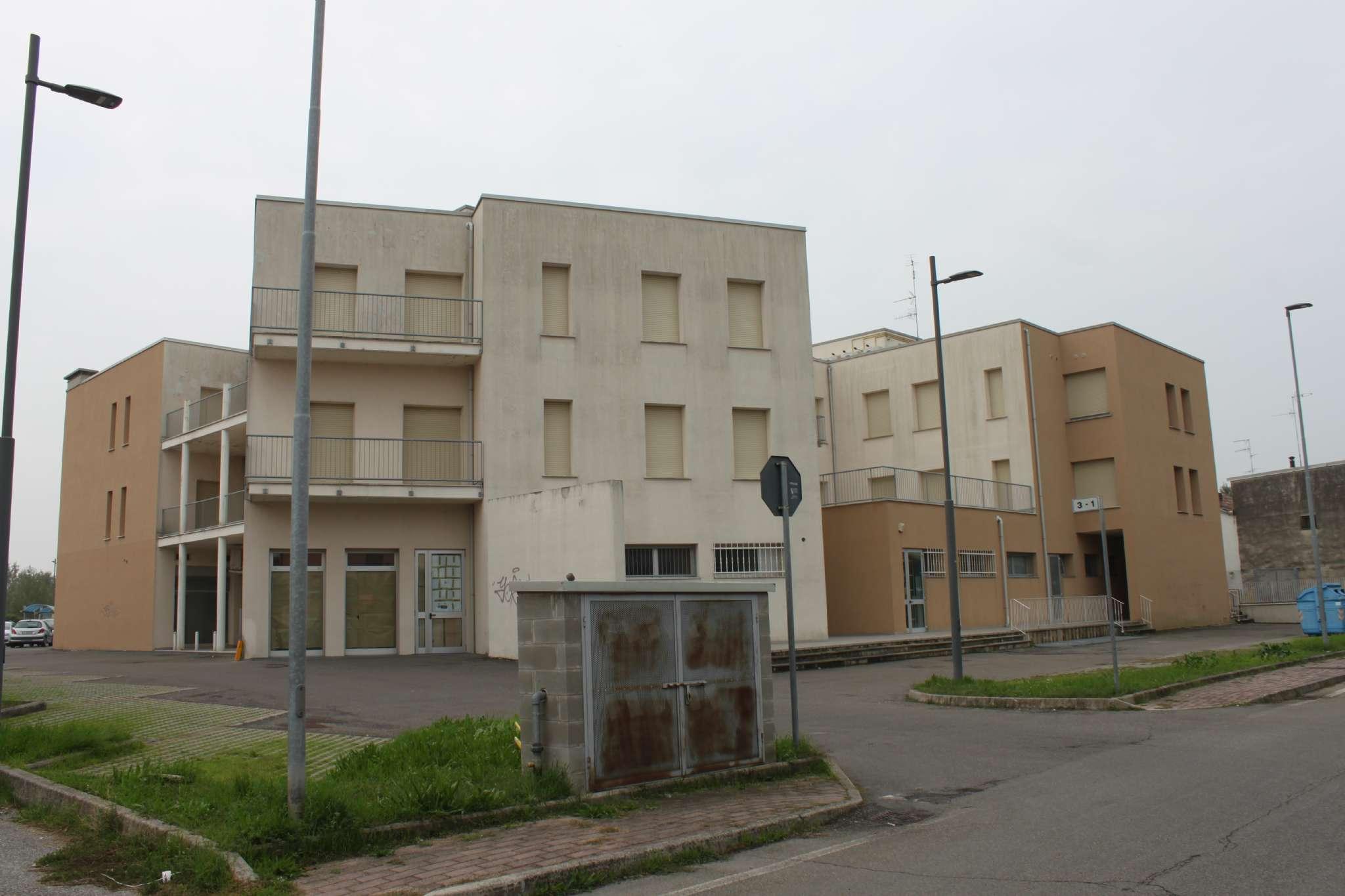 Appartamento in vendita a Guastalla, 4 locali, prezzo € 98.000   CambioCasa.it