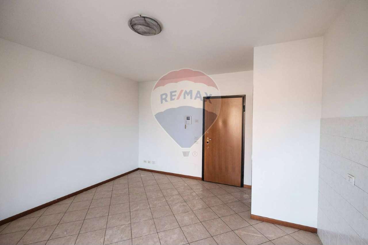Appartamento in vendita a Solza, 3 locali, prezzo € 79.000 | CambioCasa.it