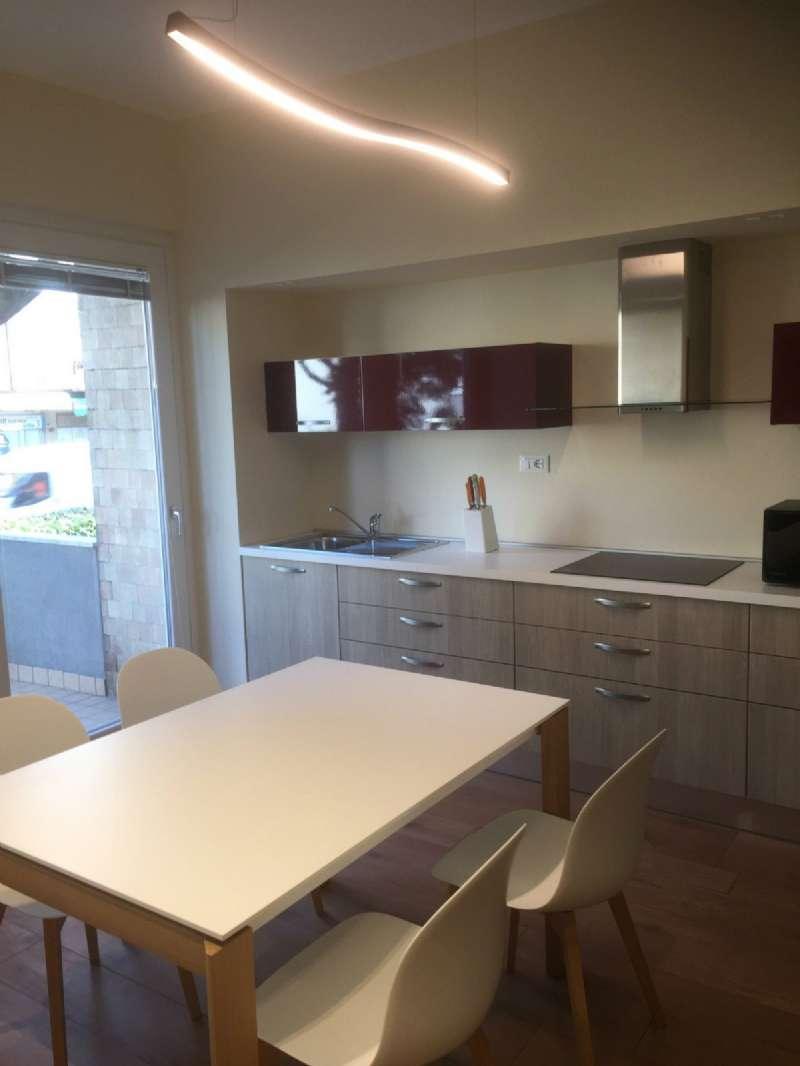 Appartamento in affitto a Bergamo, 5 locali, prezzo € 1.600 | PortaleAgenzieImmobiliari.it