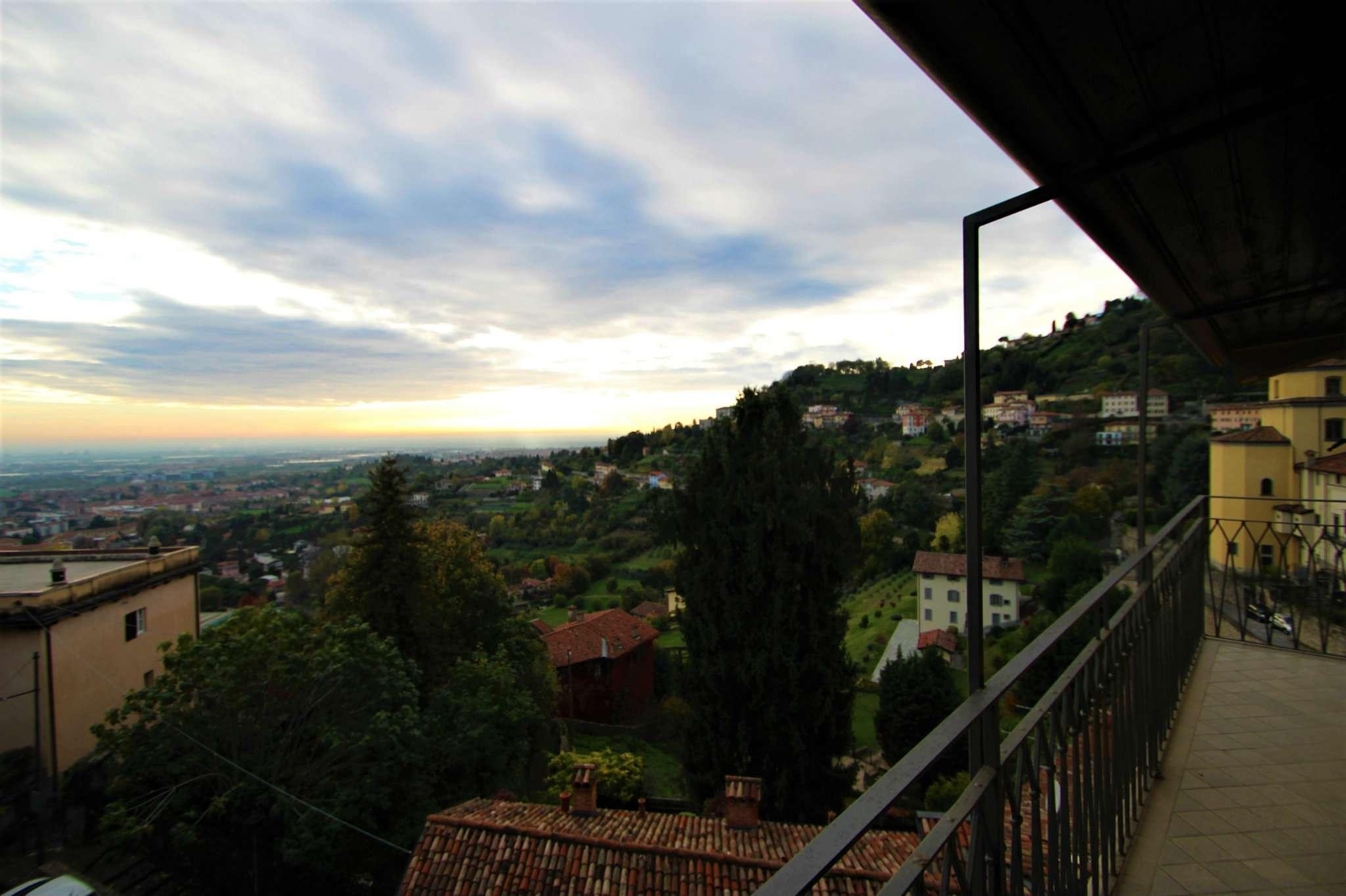 Appartamento in affitto a Bergamo, 2 locali, prezzo € 850 | PortaleAgenzieImmobiliari.it