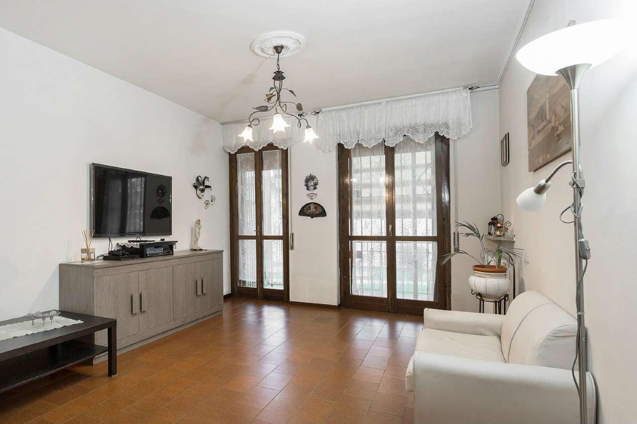 Appartamento in vendita a Capriate San Gervasio, 3 locali, prezzo € 78.000 | CambioCasa.it