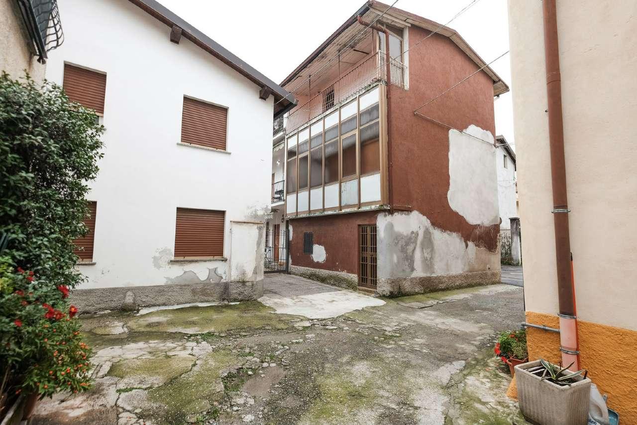 Soluzione Semindipendente in vendita a Calusco d'Adda, 4 locali, prezzo € 77.000 | PortaleAgenzieImmobiliari.it