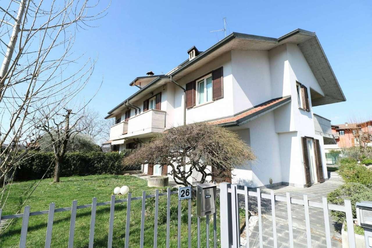 Villa Bifamiliare in Vendita a Albano Sant'Alessandro