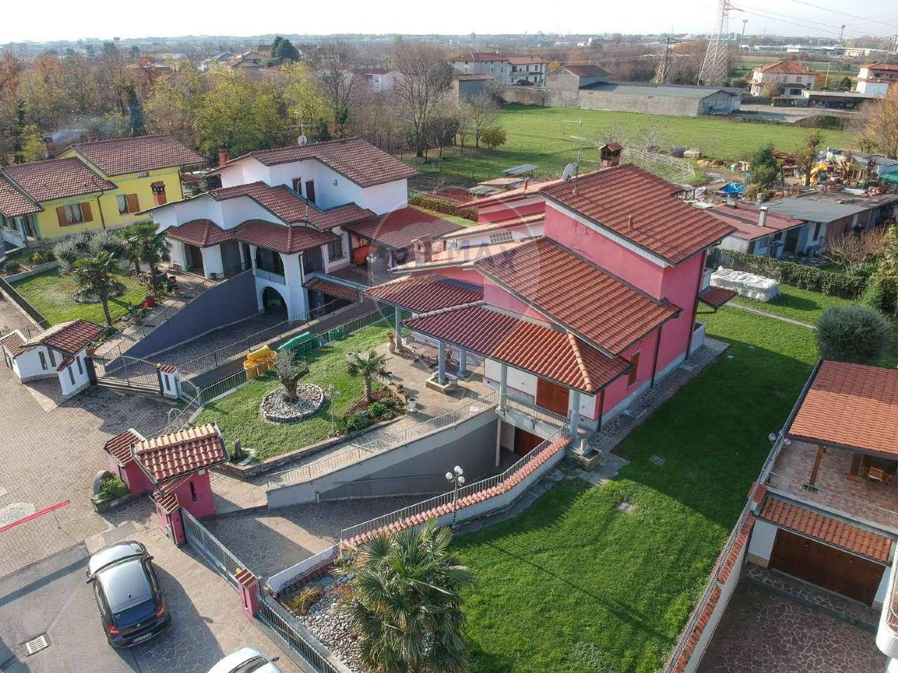 Villa in vendita a Madone, 7 locali, prezzo € 380.000   PortaleAgenzieImmobiliari.it