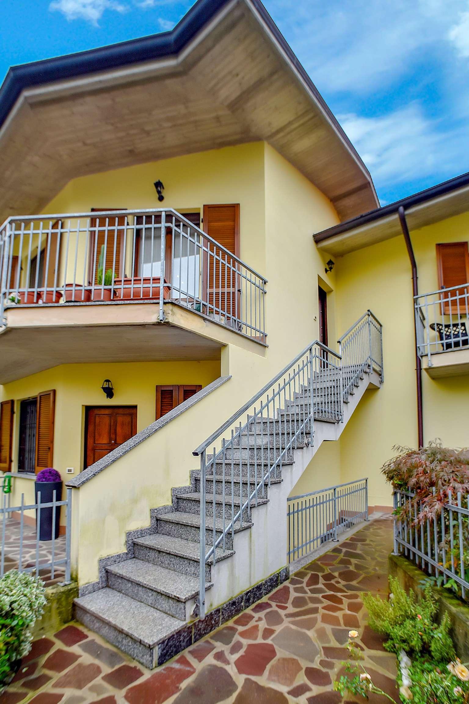 Appartamento in vendita a Urago d'Oglio, 3 locali, prezzo € 129.000 | CambioCasa.it