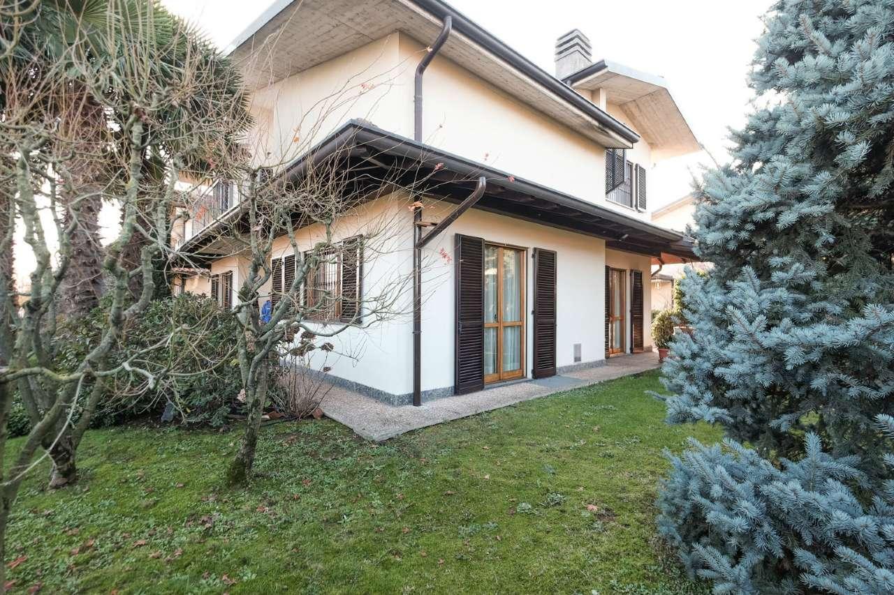 Villa in vendita a Bottanuco, 5 locali, prezzo € 380.000 | CambioCasa.it