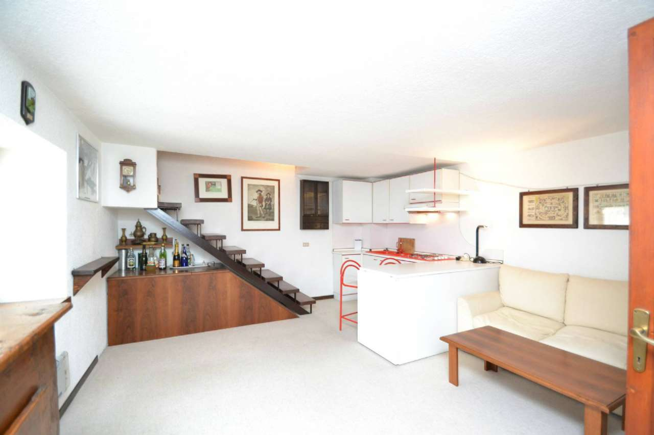 Appartamento in vendita a Palazzago, 3 locali, prezzo € 49.000 | CambioCasa.it