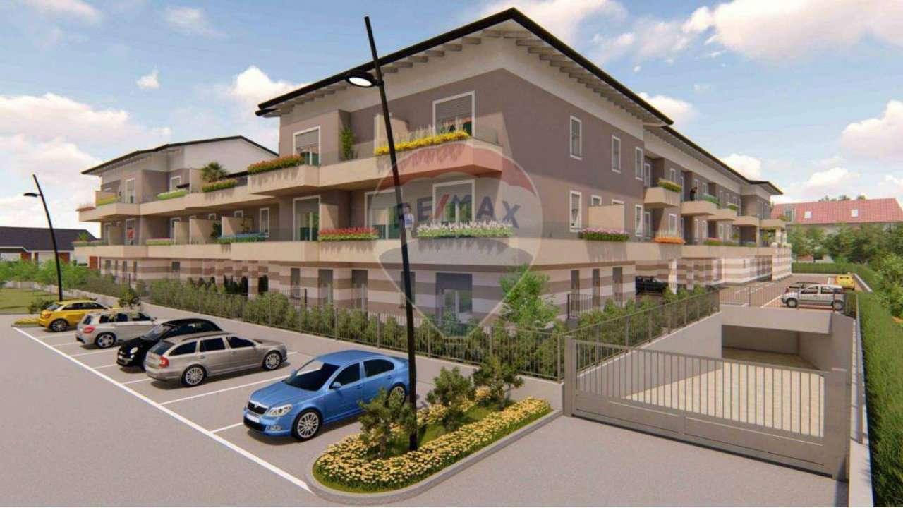 Appartamento in vendita a Calusco d'Adda, 3 locali, prezzo € 120.000 | PortaleAgenzieImmobiliari.it