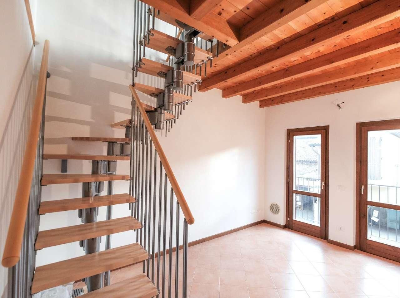 Appartamento in vendita a Brembate, 3 locali, prezzo € 95.000 | CambioCasa.it