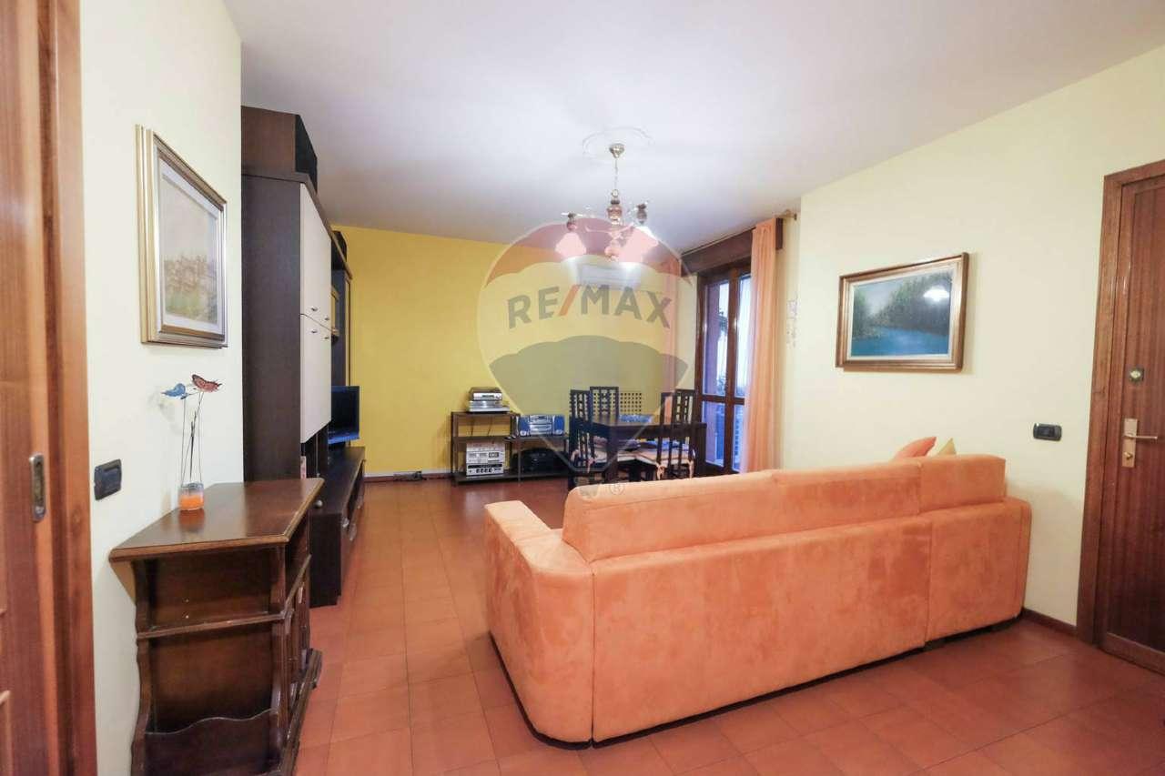 Appartamento in vendita a Calusco d'Adda, 3 locali, prezzo € 115.000 | PortaleAgenzieImmobiliari.it