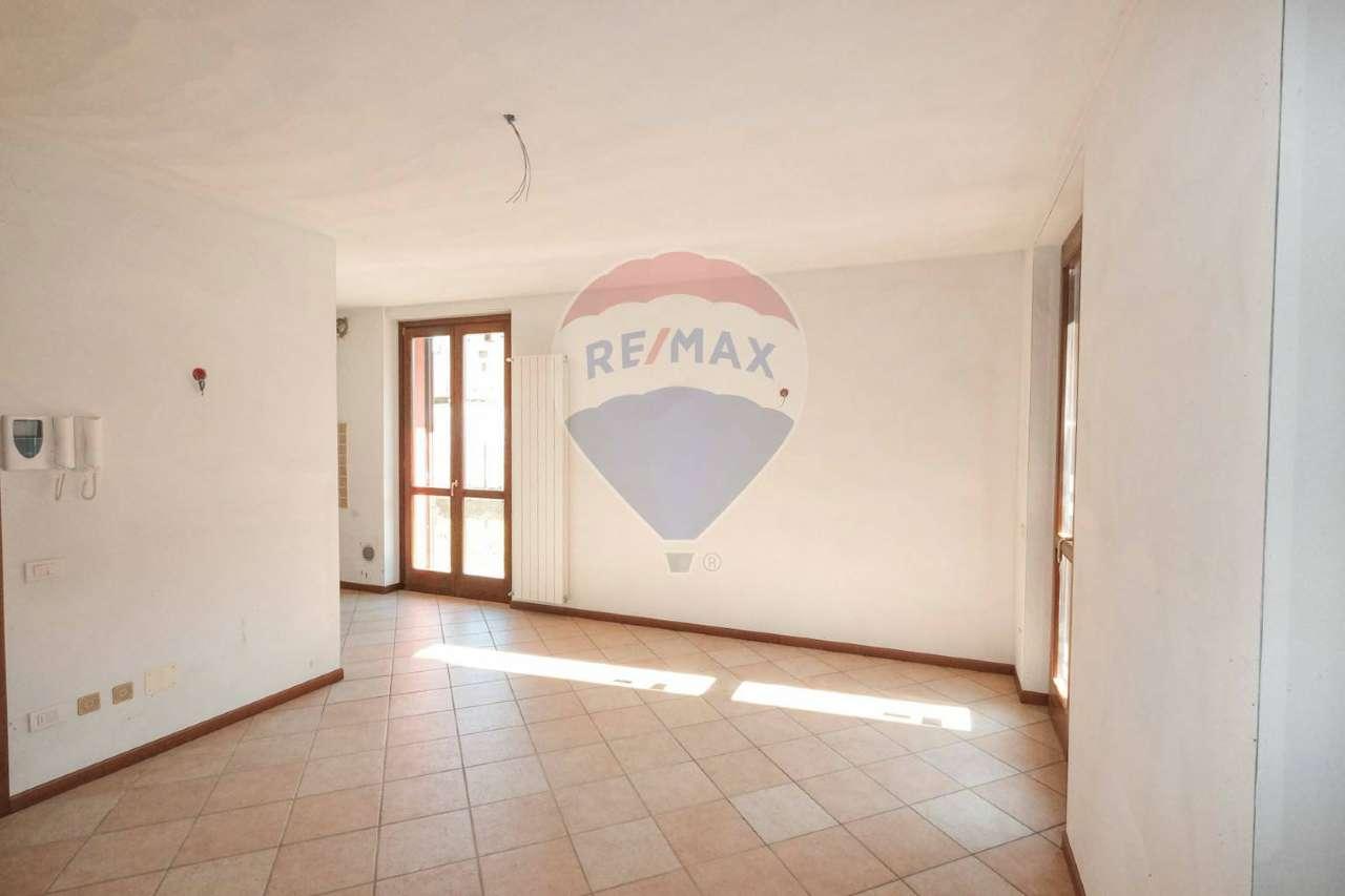 Appartamento in vendita a Bottanuco, 3 locali, prezzo € 149.000 | CambioCasa.it
