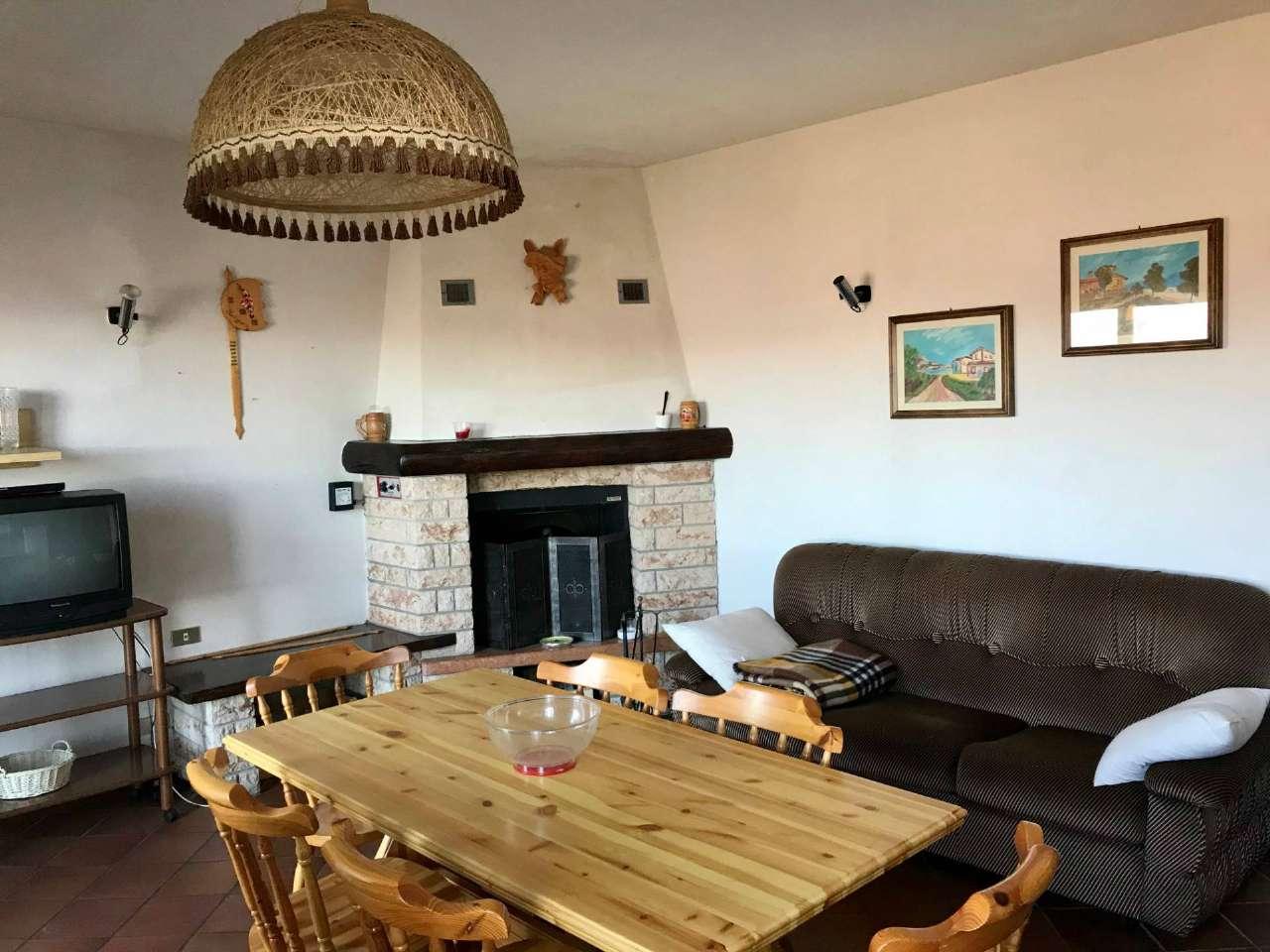 Appartamento in vendita a Zogno, 3 locali, prezzo € 59.000 | PortaleAgenzieImmobiliari.it