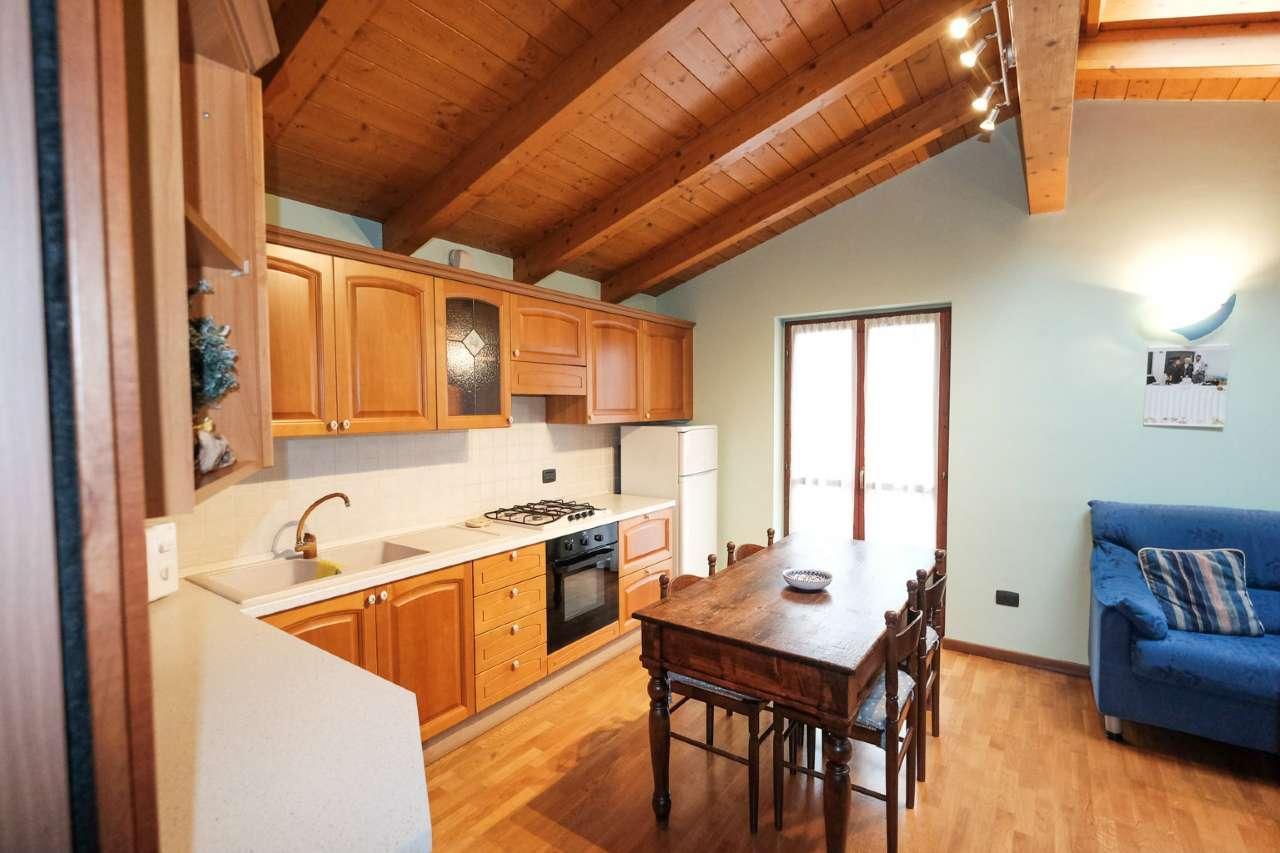 Appartamento in vendita a Palazzago, 2 locali, prezzo € 95.000 | CambioCasa.it