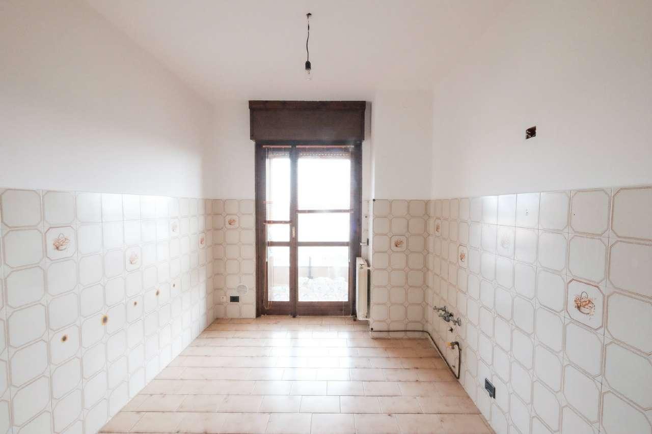 Appartamento in vendita a Bonate Sotto, 4 locali, prezzo € 109.000   PortaleAgenzieImmobiliari.it