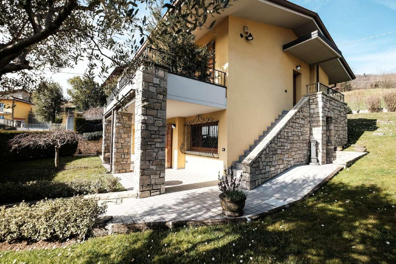Villa in Vendita a Alzano Lombardo