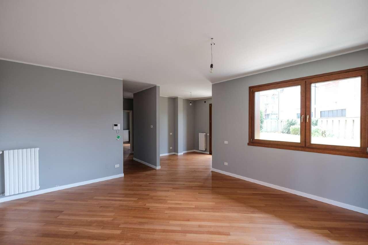 Appartamento in vendita a Verdellino, 3 locali, prezzo € 250.000 | CambioCasa.it