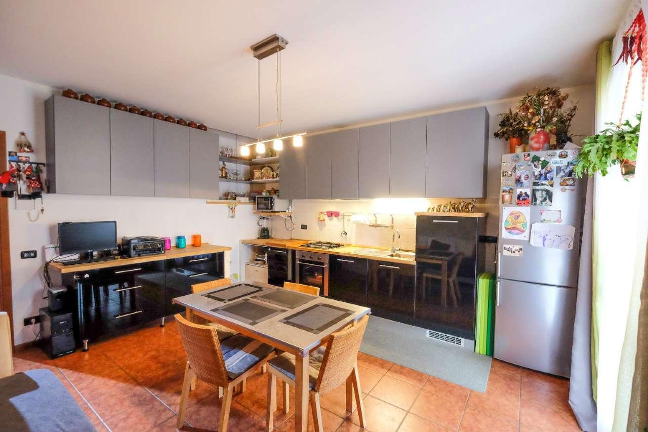 Appartamento in vendita a Grassobbio, 2 locali, prezzo € 109.000 | CambioCasa.it