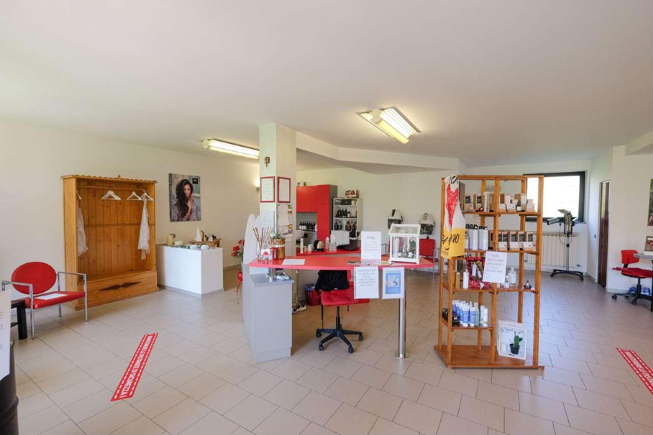 Negozio / Locale in vendita a Sotto il Monte Giovanni XXIII, 2 locali, prezzo € 99.000 | CambioCasa.it