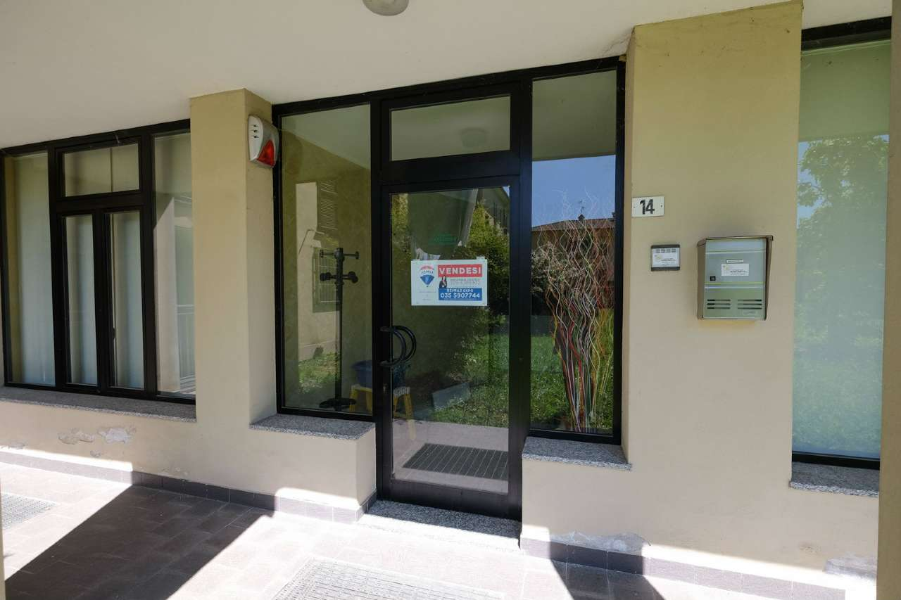 Ufficio / Studio in vendita a Sotto il Monte Giovanni XXIII, 2 locali, prezzo € 69.000 | CambioCasa.it