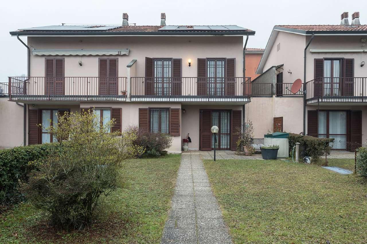 Villa Bifamiliare in Vendita a Merate