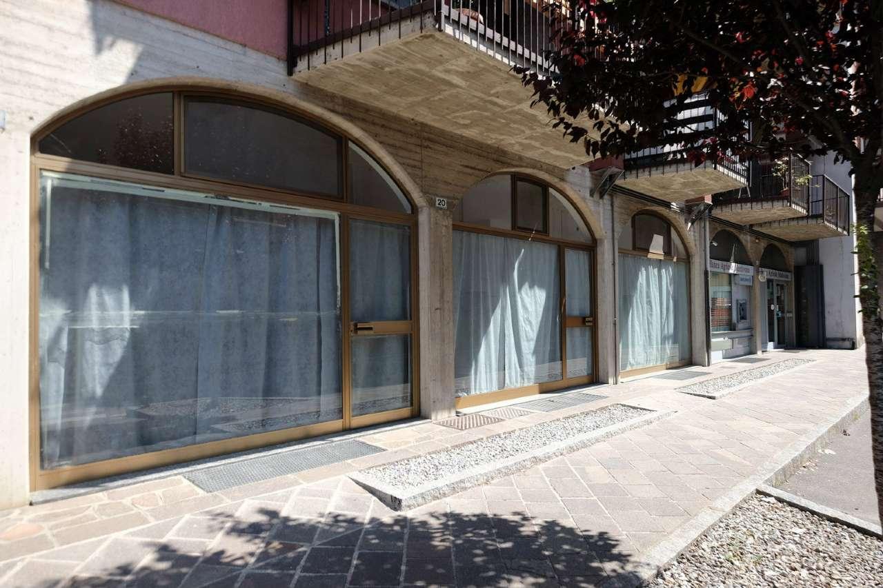 Negozio / Locale in affitto a Suisio, 1 locali, prezzo € 600 | CambioCasa.it
