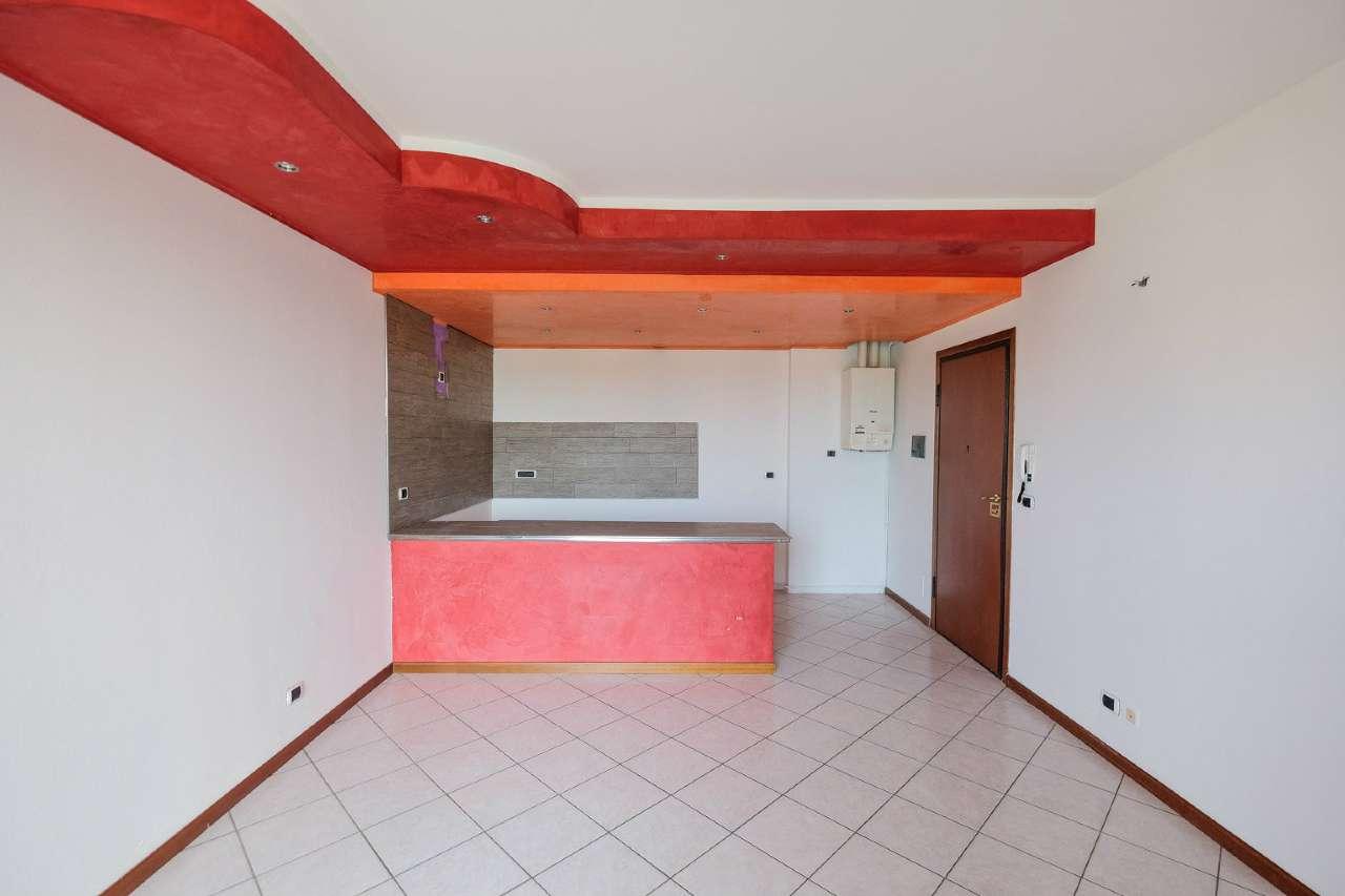 Appartamento in vendita a Madone, 2 locali, prezzo € 74.000 | CambioCasa.it